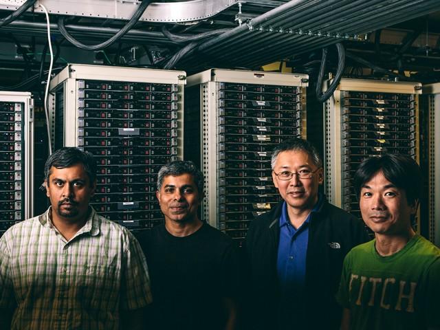 Bild: Team Projekt Adam (von Links): Karthik Kalyanaraman, Trishul Chilimbi, Johnson Apacible, Yutaka Suzue / Microsoft