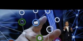 IBoo-Keun Yoon, CEO und Präsident von Samsung zeigt Möglichkeiten des Internet of Things