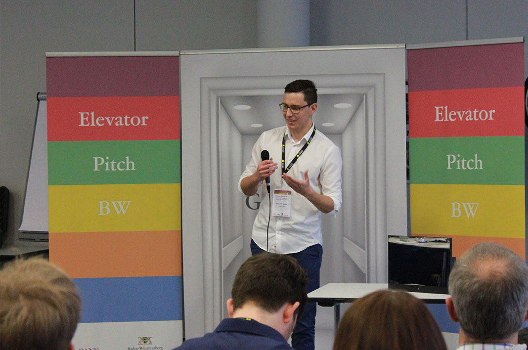 Eugen Lisin von Reflect Media pitcht beim Elevator Pitch BW