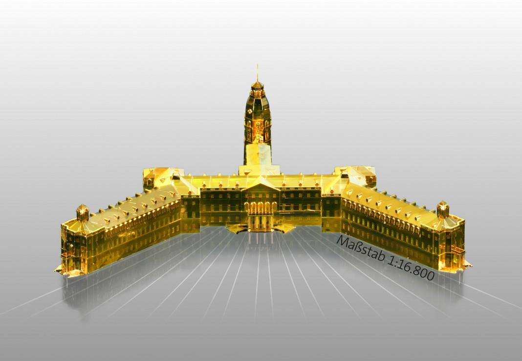 Aus dem 3D-Drucker: das Karlsruher Schloss im Maßstab 1:16.800 und veredelt mit einer dünnen Goldschicht (Bild: Nanoscribe)
