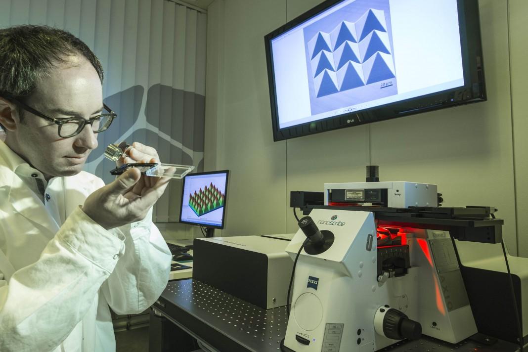 """Hermatschweiler: """"Holten die sogenannten Zwei-Photonen-Polymerisation aus einer Forscher-Nische."""" (Bild: Nanoscribe)"""
