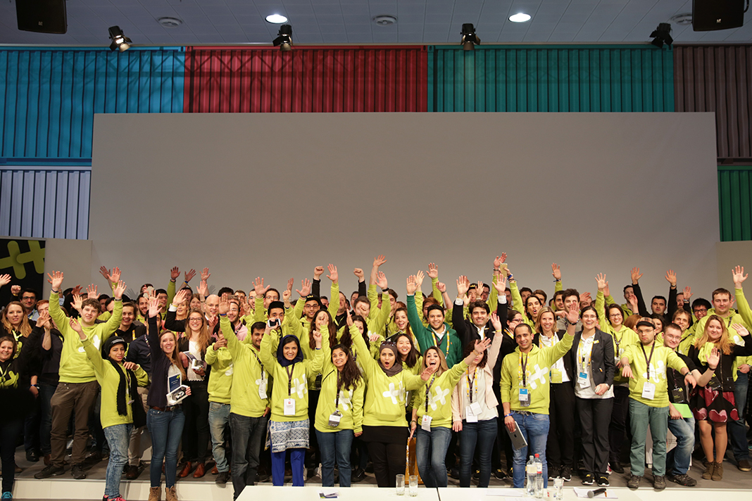 Teams aus aller Welt auf dem Hackathon