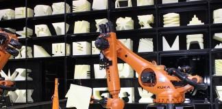 Kuka-Roboter auf der CeBIT 2015
