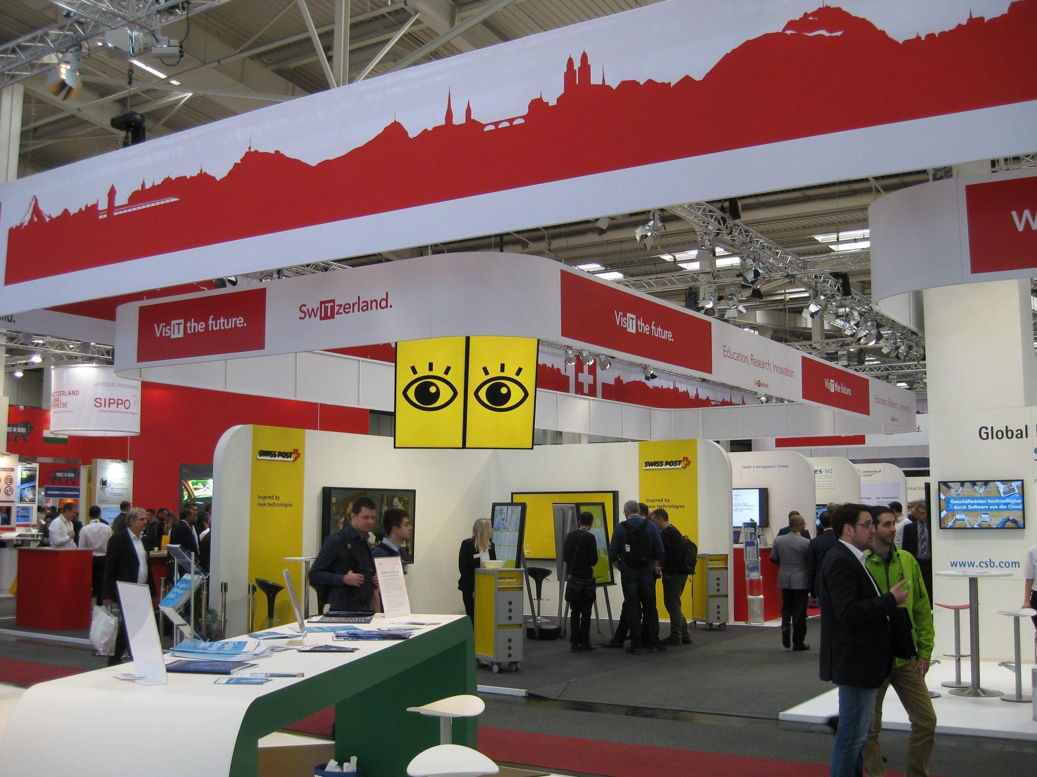 Ständer auf dem Schweizer Pavillon auf der CeBIT 2016