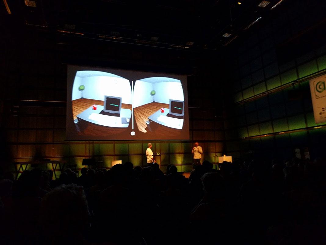 Raum setzt sich kritisch mit den Möglichkeiten, aber auch den Grenzen von Virtual Reality auseinander