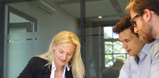 Eine Mentoring im Gespräch mit Gründern
