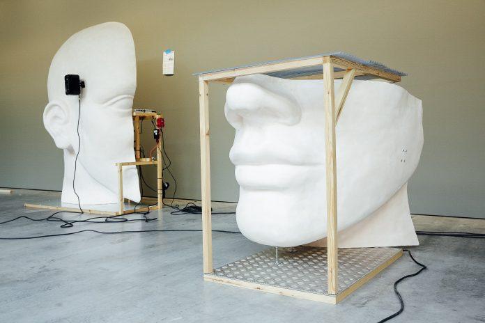Art & Exhibition: Führungen durch die Kunstaustellungen komplettierten das Festivalprogramm. (Bild: newnewfestival)