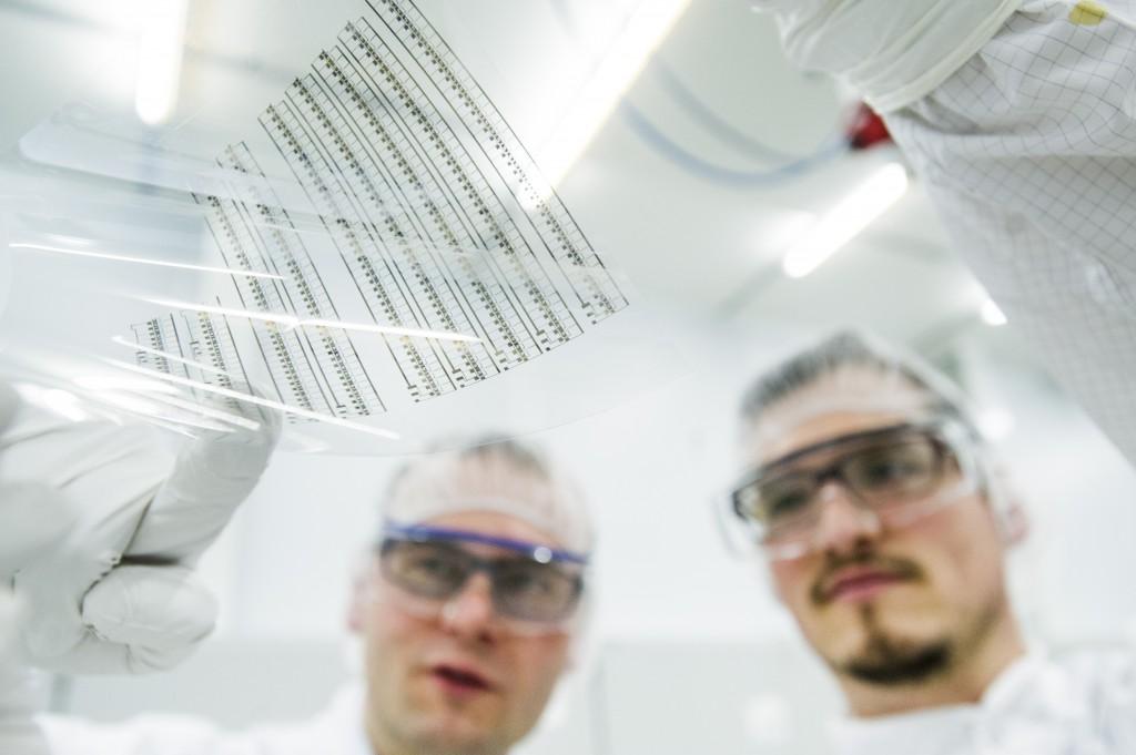 Gedruckte Elektronik ermöglicht die ressourcenschonende Herstellung von Sensoren - für das Internet of Things wie für medizinsche Anwendungen. (Bild: © InnovationLab GmbH)