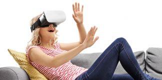 """Virtual Reality im E-Commerce: Verzichten Kunden beim Shopping zukünftig auf persönliche Beratung? """"Nein"""", meint Philipp Kannenberg von der gaxsys GmbH."""