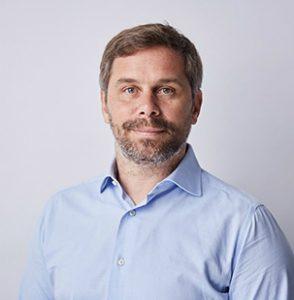 gaxsys-Geschäftsführer Mathias Thomas fordert K5-Geschäftsführer Jochen Krisch zu einer öffentlichen Diskussion über die Händlerintegration auf.