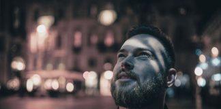 Smart City - Knoop ist eine Smartphone-Applikation, die die Straßenbeleuchtung steuert.